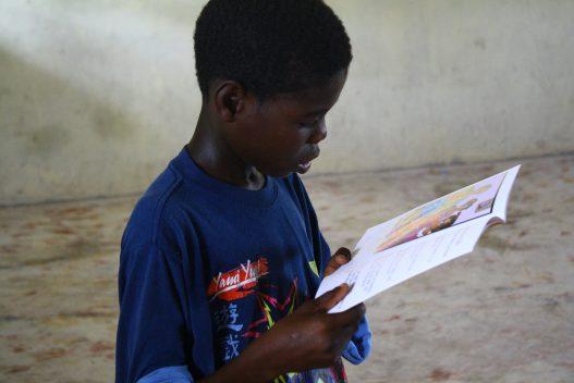 Haiti reads