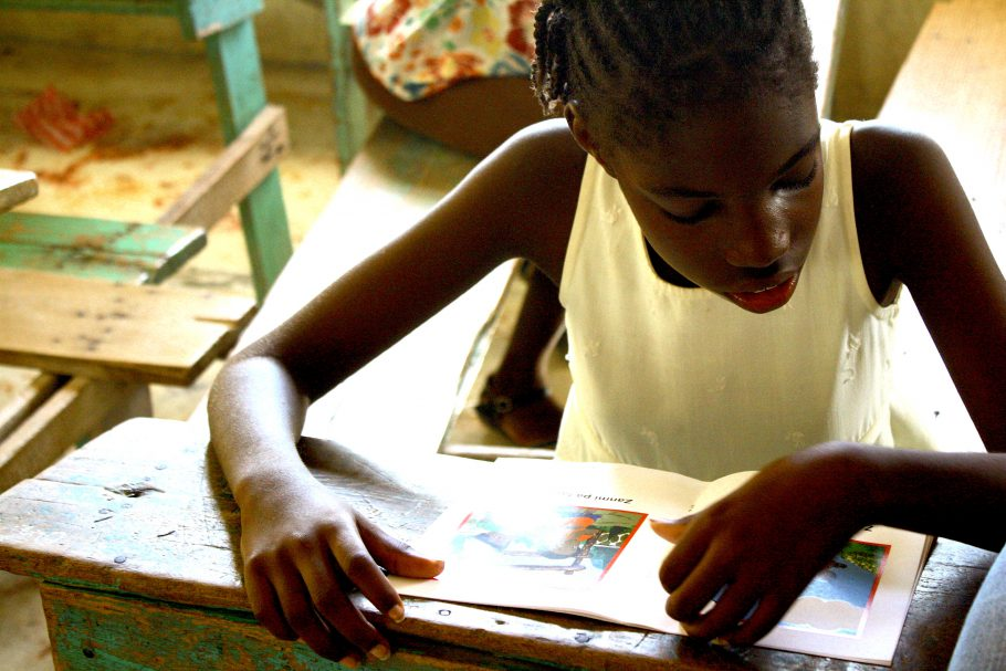Give access to books to children in Haiti