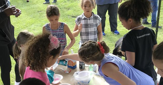 Kids make slime